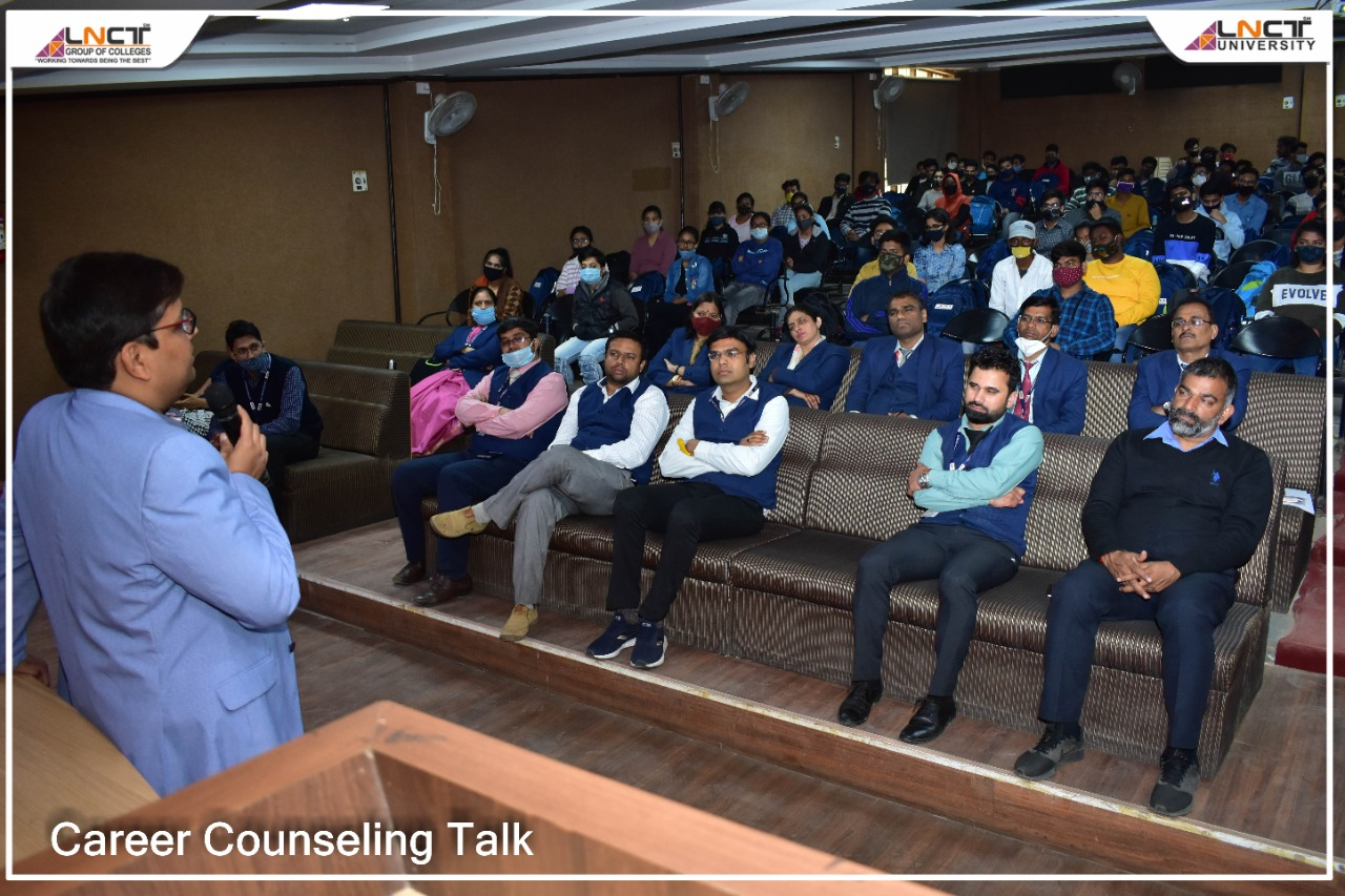 Career Counseling Talk Is Organized By EC/EE/EX Department With T&P 8
